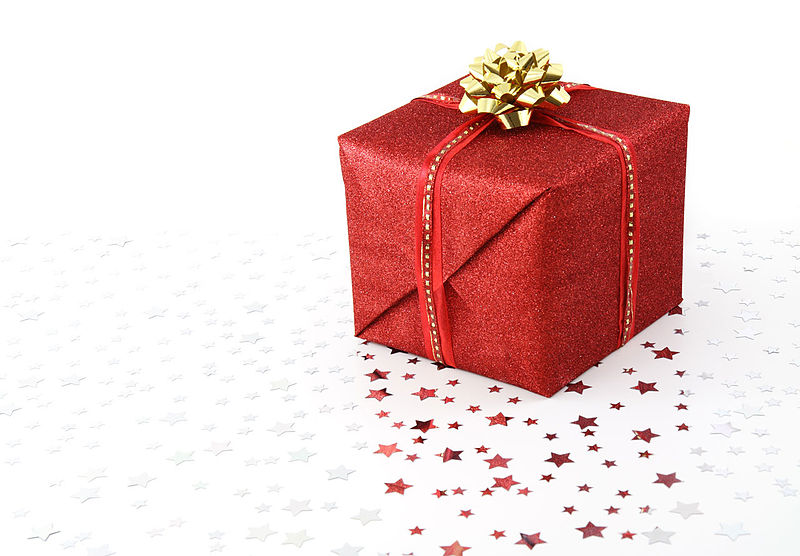 Source: http://commons.wikimedia.org/wiki/File:Red_Christmas_present_on_white_background.jpg
